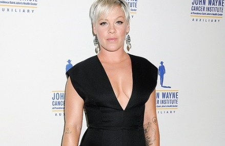 Pink Supports Fighting Cancer And She Looked Stunning!
