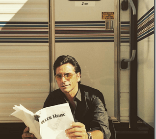 John Stamos Uploads First Picture of His Appearance On The Set of Full House!