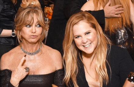 Amy Schumer and Goldie Hawn hilarious in Snatched trailer!