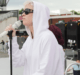 katy-perry-doing-sound-check