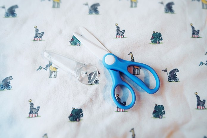 Baby food scissors - great for cutting up food ready for a baby to grab and eat!