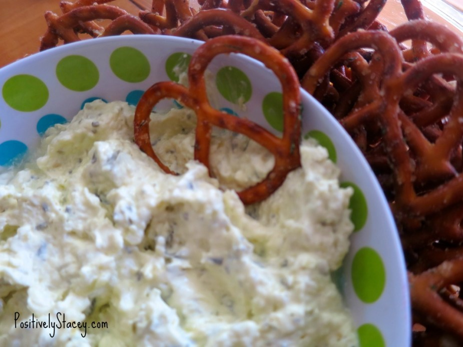 Pickle Dip With Dill Pretzels