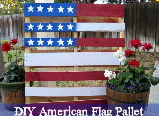 Turn a Pallet into a Flag; Easy Fourth of July Decor