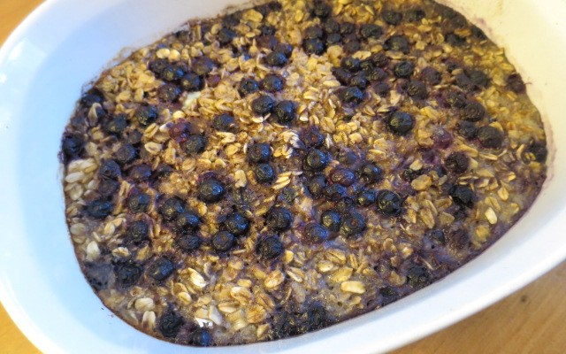 Baked Blueberry and Banana Oatmeal Recipe