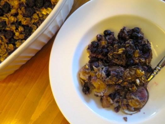 Baked Blueberry and Banana Oatmeal
