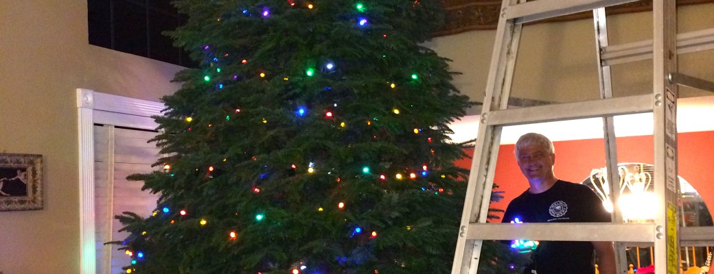 How to Make Your Christmas Tree Glow and How to Fix Broken Christmas Lights
