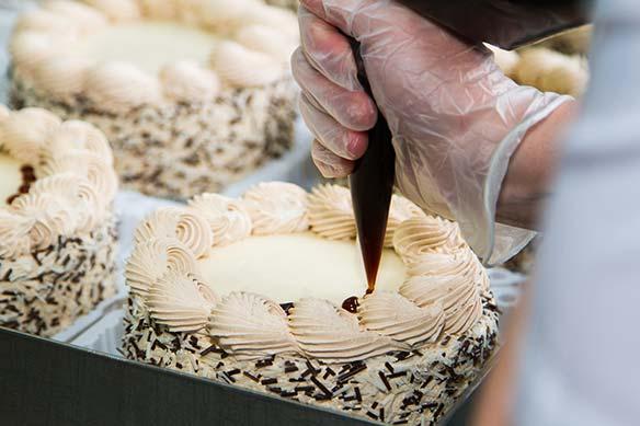 Kako započeti biznis pravljenja svadbenih torti