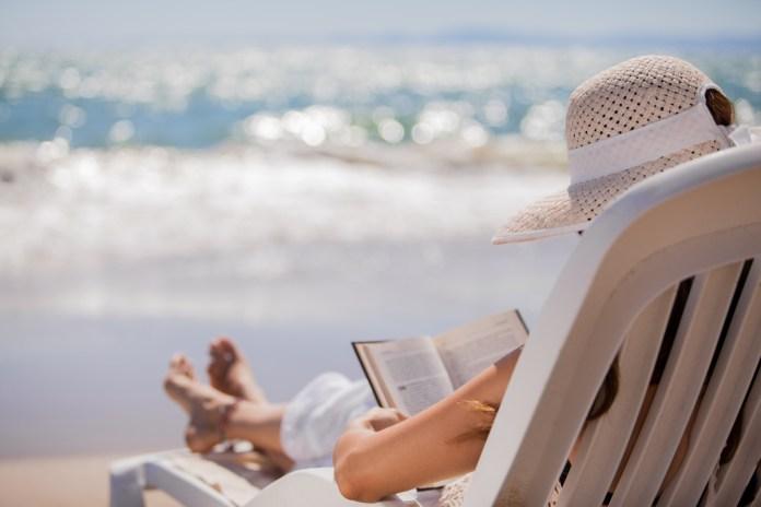 Prav posebno poletno branje za na plažo