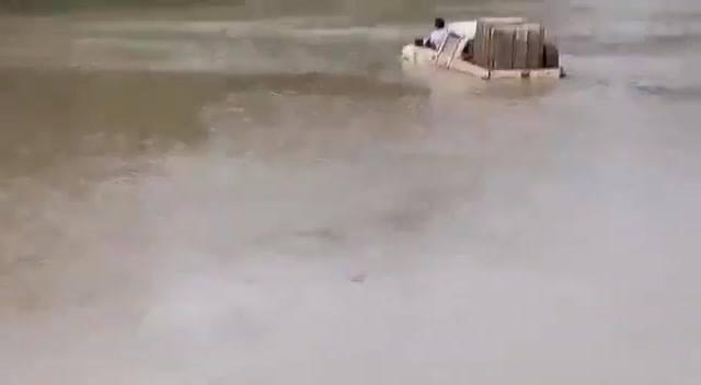 Isso É Uma Caminhonete Ou Um Barco? Veja O Video Até O Final!