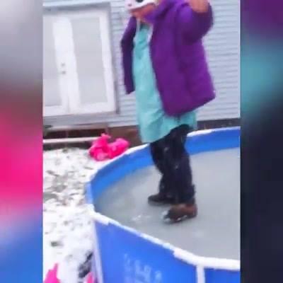 Cenas Engraçadas No Gelo