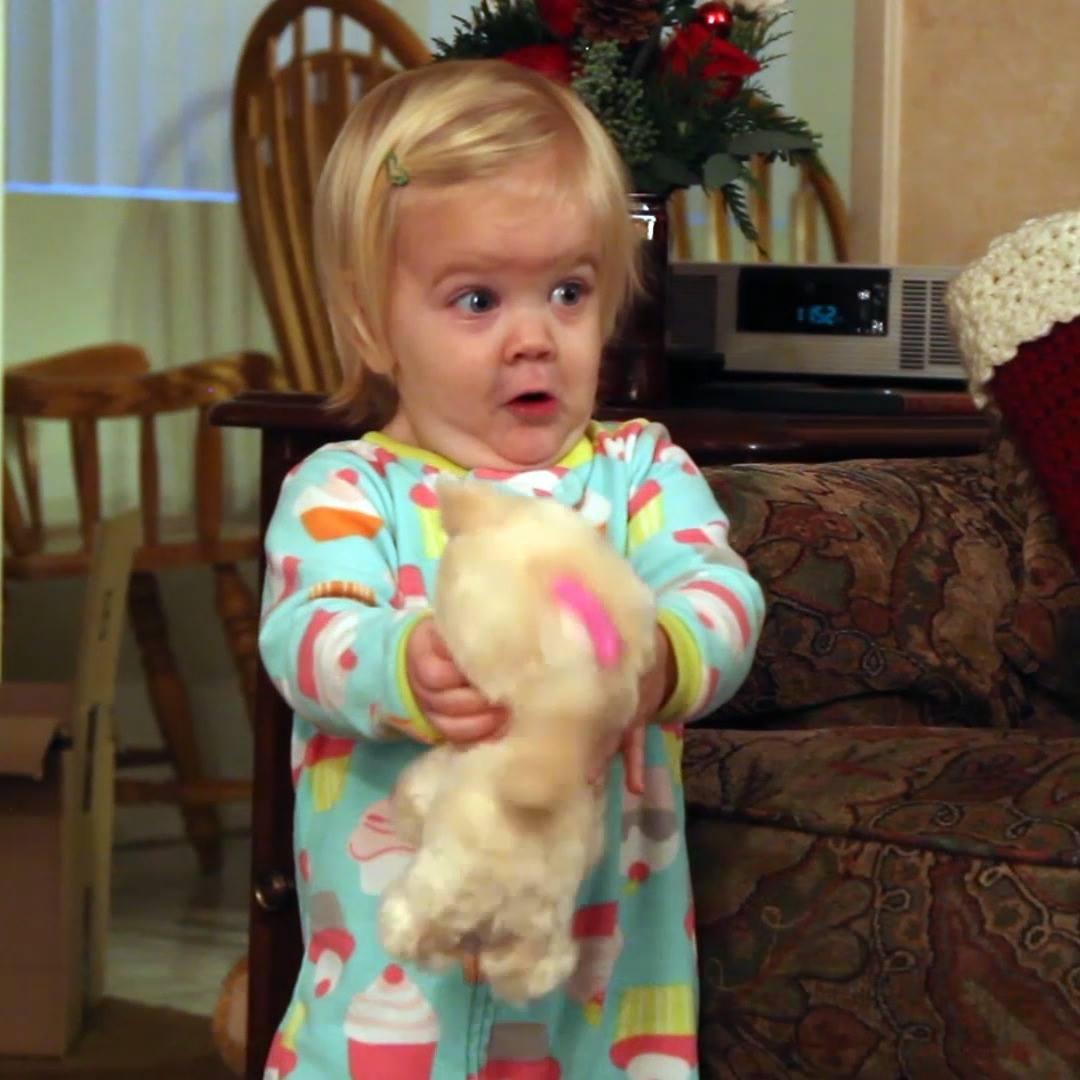 Crianças Sendo Surpreendidas Com Brinquedos Eletrônicos, Confira!