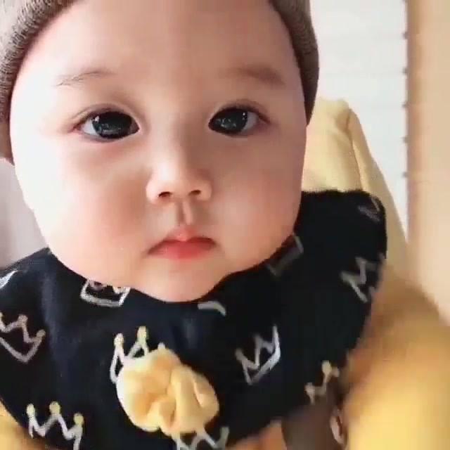 Bebezinha Linda Parece Uma Bonequinha De Tão Fofinha Que É!!!