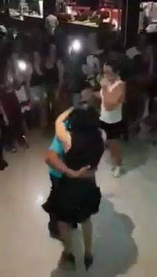 Dançarino A 220V