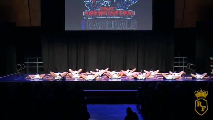 Grupo De Dança Em Campeonato, Olha Só Essa Galera Dançando!!!