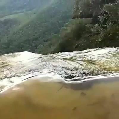 Queda D'Água De Cachoeira, Veja Que Imagem Maravilhosa De Lugar!!!