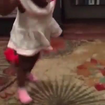 Boneco Fala E Criança Assusta