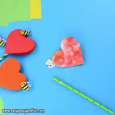 Flor De Coração Com Abelha, Uma Linda Lembrancinha Para O Dia Das Mães!