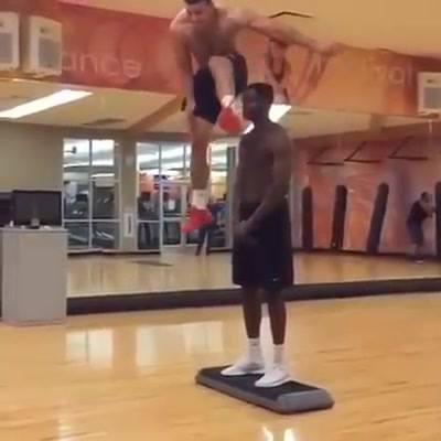 É Incrível O Que O Seres Humanos Podem Fazer Com Treinamento De Seus Corpos!!