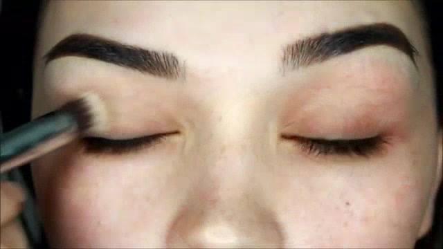 Maquiagem Com Delineado E Sombra Dourada, Uma Make Maravilhosa!