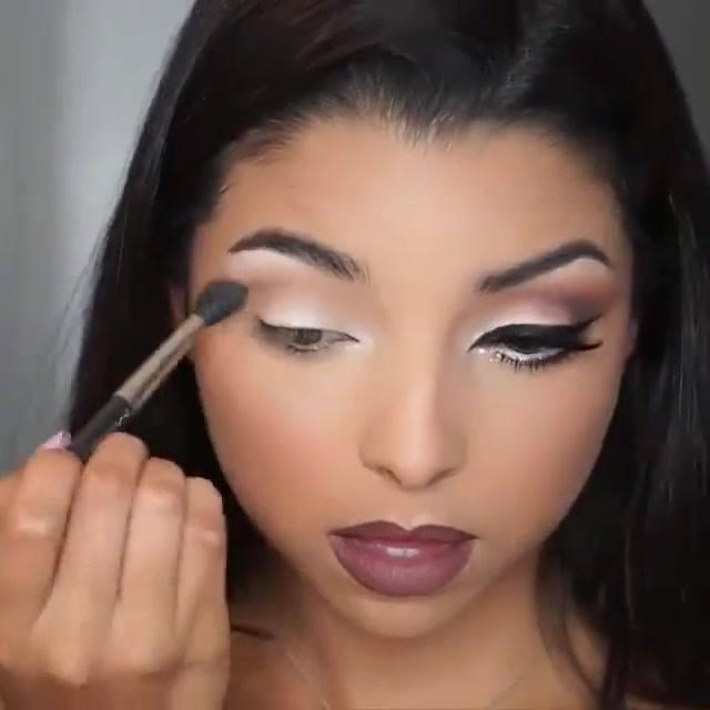 Maquiagem Para Garotas, Olha Só Que Lindo Estes Olhos Com Delineado!!!