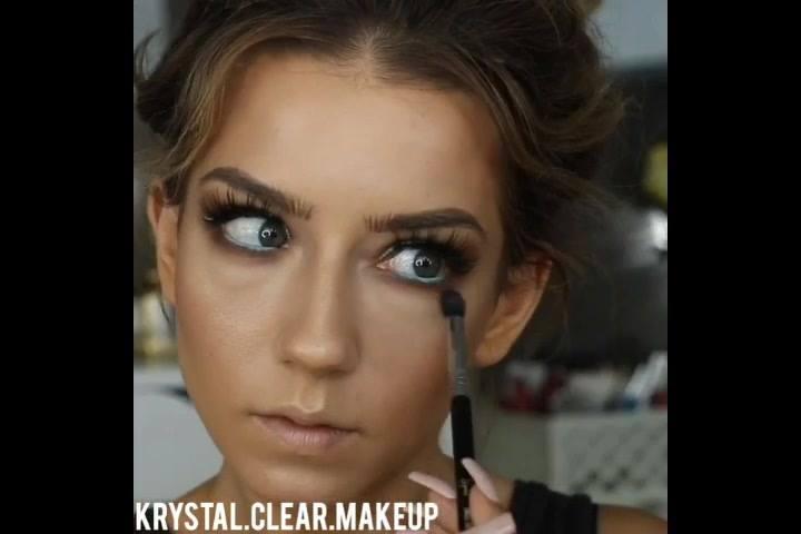 Maquiagem Marrom Com Cinza E Delineado Preto E Azul, Uma Combinação Perfeita!!!
