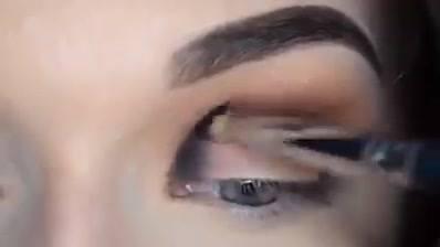 Maquiagem Com Sombra Esfumada, Fica Muito Lindo, Confira!