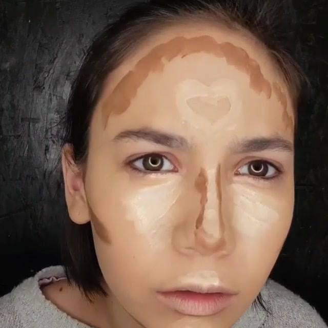 Maquiagem Com Sombra Marrom Clarinha, Delineado Delicado, E Batom Vinho!!!