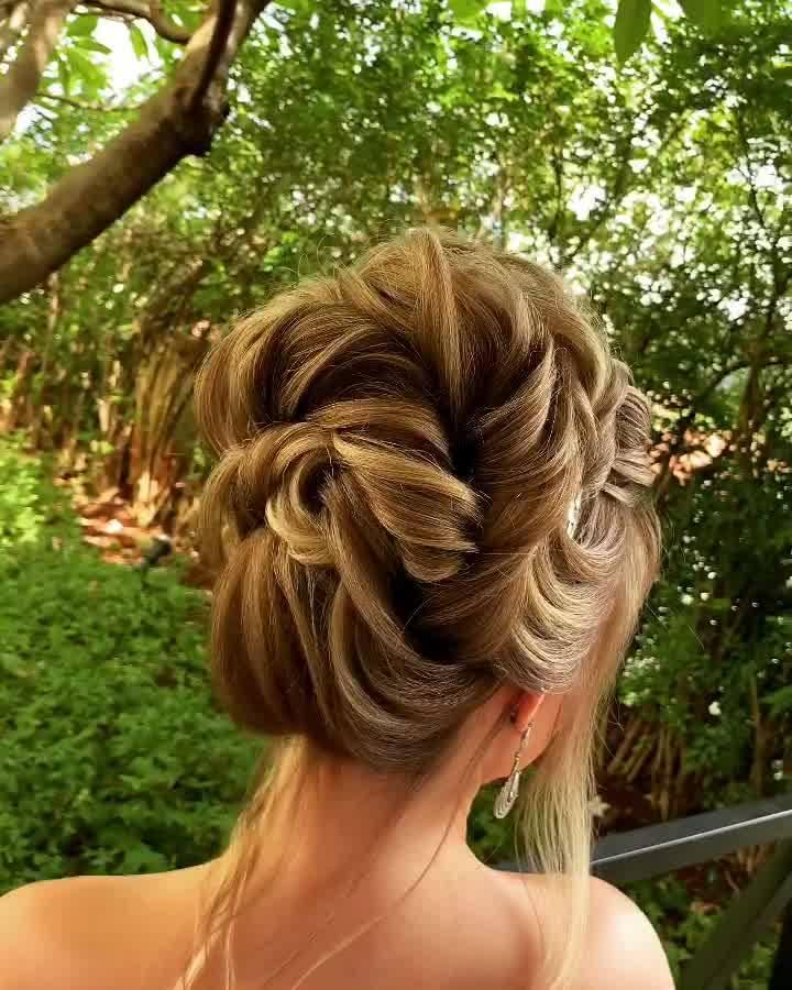 Inspiração De Penteado Para Noivas, Você Noivinha De Plantão Veja Que Lindo!!!