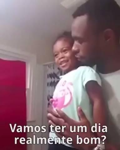 Pai Ensinando Sua Filha Ser Uma Boa Pessoa, Muito Legal O Que Ele Fala Para Ela!