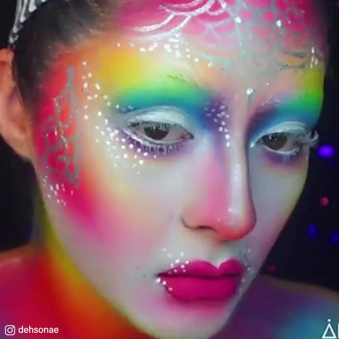 Arte De Se Transformar Em Seres Assustadores, Veja O Que Esta Artista Faz!!!
