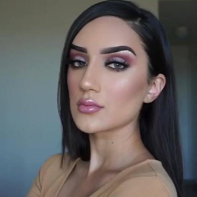 Fazendo Maquiagem E Cuidando Da Pele, Mais Um Video Incrível Para Conferir!