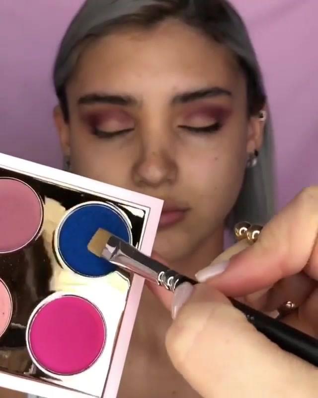 Maquiagem Com Sombra Rosa Clara E Delineado, Mais Uma Para Você Aprender!