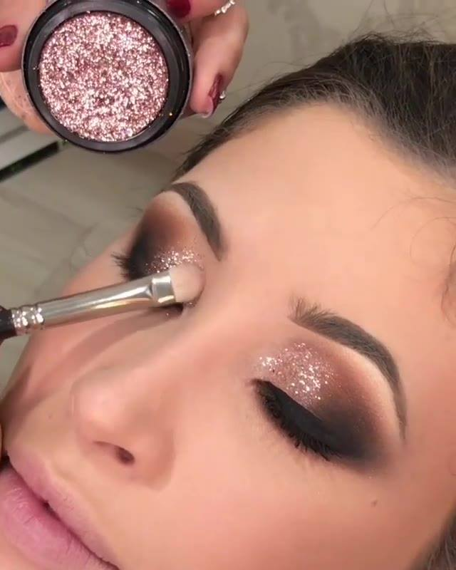 Finalizando Sombra Com Glitter Bronze Rosado, Olha Só Que Linda!!!