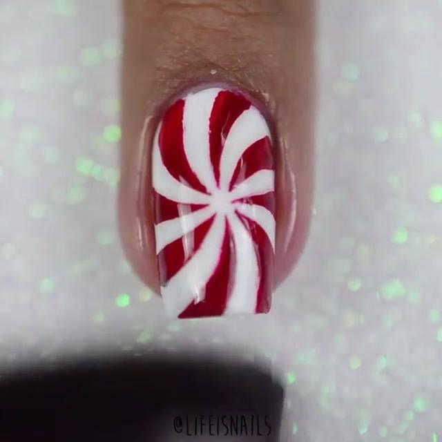 Unha Com Decoração De Bala Com Glitter, Branca E Vermelha!