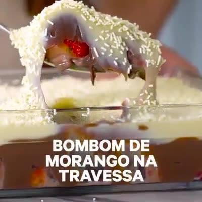 Receita De Bombom De Morango Na Travessa, Que Delicia!
