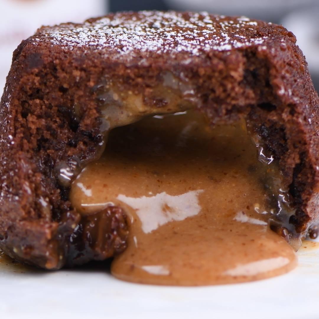 Cupcake De Chocolate Com Recheio De Amendoim, Uma Delícia!!!