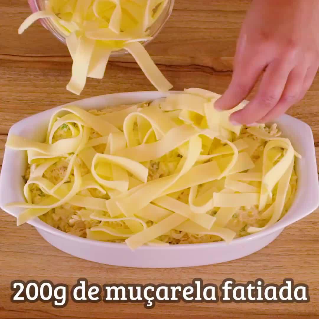 Receita De Fricassê De Frango, Uma Delicia De Comida, E Super Fácil De Fazer!!!