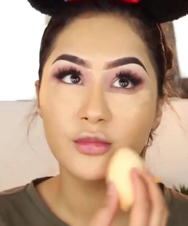 Tutorial De Maquiagem Completa Com Preparação De Pele, E Sombra Rosa!!!