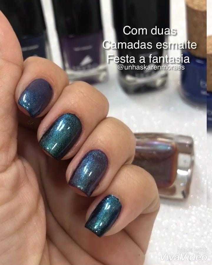 Unha Com Esmalte Azul Com Esmalte Com Efeito Metálico Por Cima!!!