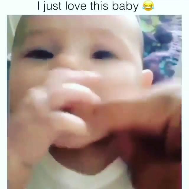 Video De Bebê Engraçado, Envie Para Seus Amigos Do Whatsapp!
