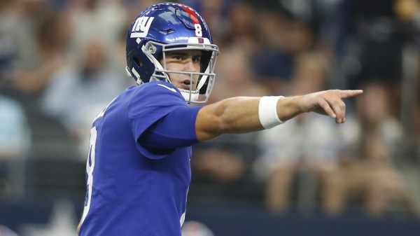 Giants QB Daniel Jones clears concussion protocol, will play against Rams
