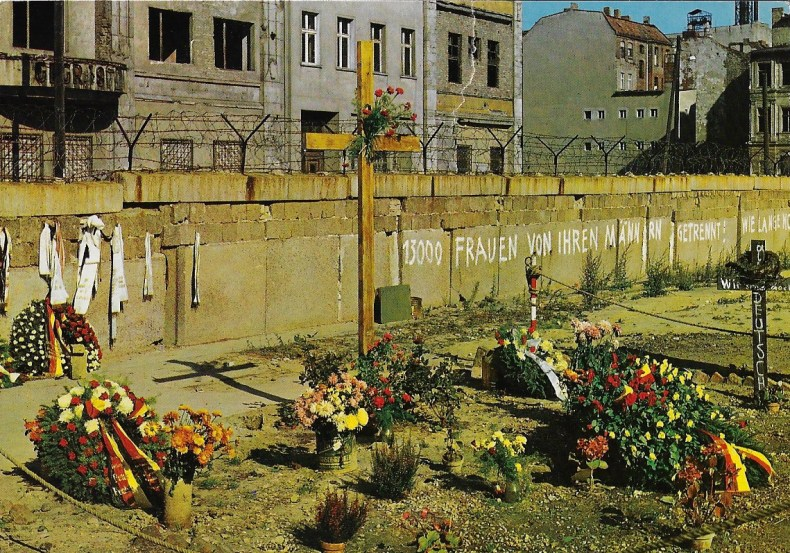 Postcard Berlin wall Gary Kemp Through the Barricades Spandau Ballet Podcast from the Past Tom Jackson Postcard from the past Past Postcard episode 4 podcast from the past GARY KEMP SPANDAU BALLET Tom Jackson