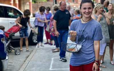 Meg Kane keeps folks in line at The Pioneer Woman Mercantile