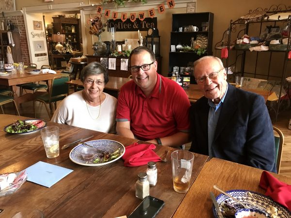 Steve's mom and dad, Gayle and John Teget, drove over from their home in Shenandoah, Iowa, to meet us for lunch.