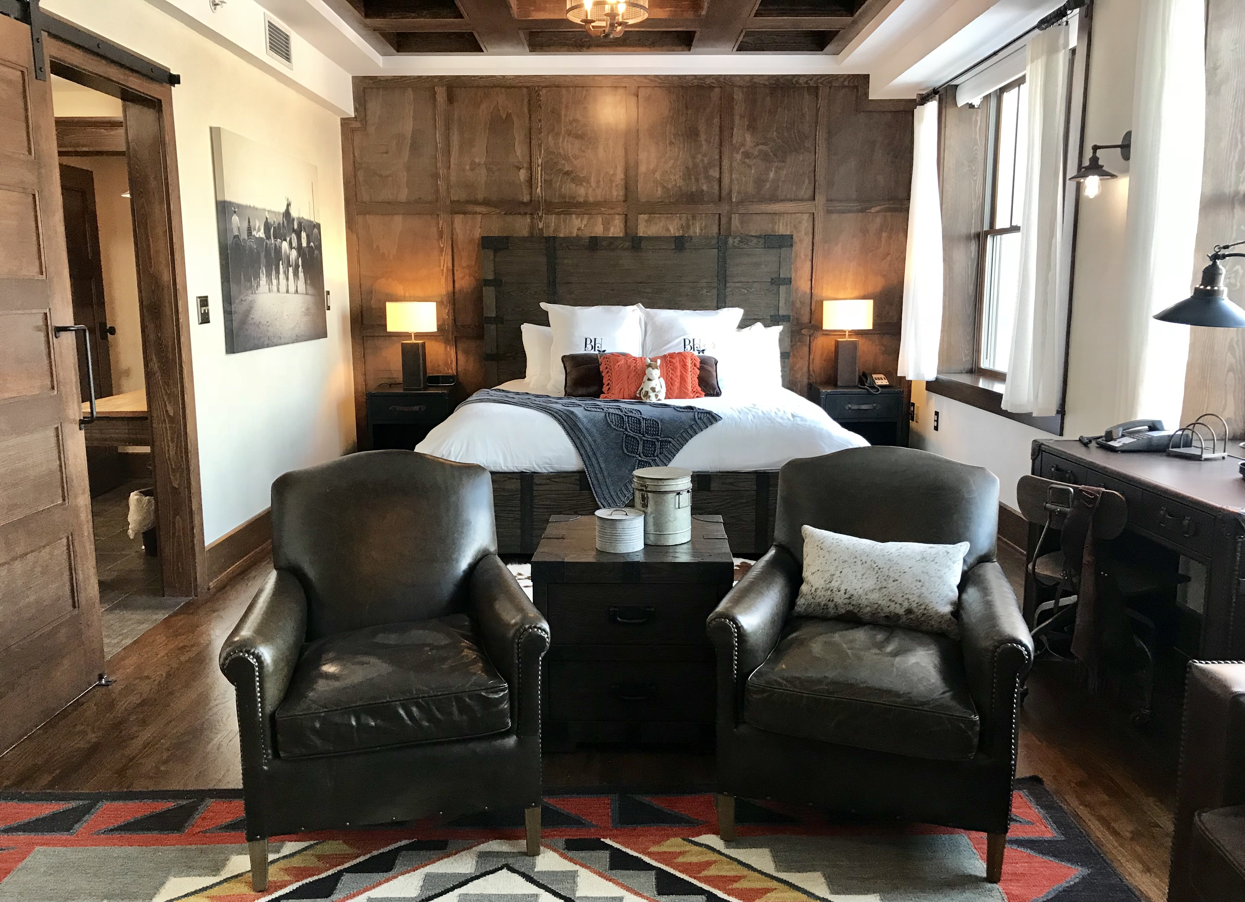 claude and kathy s unexpected night at the pioneer woman s boarding house. Black Bedroom Furniture Sets. Home Design Ideas