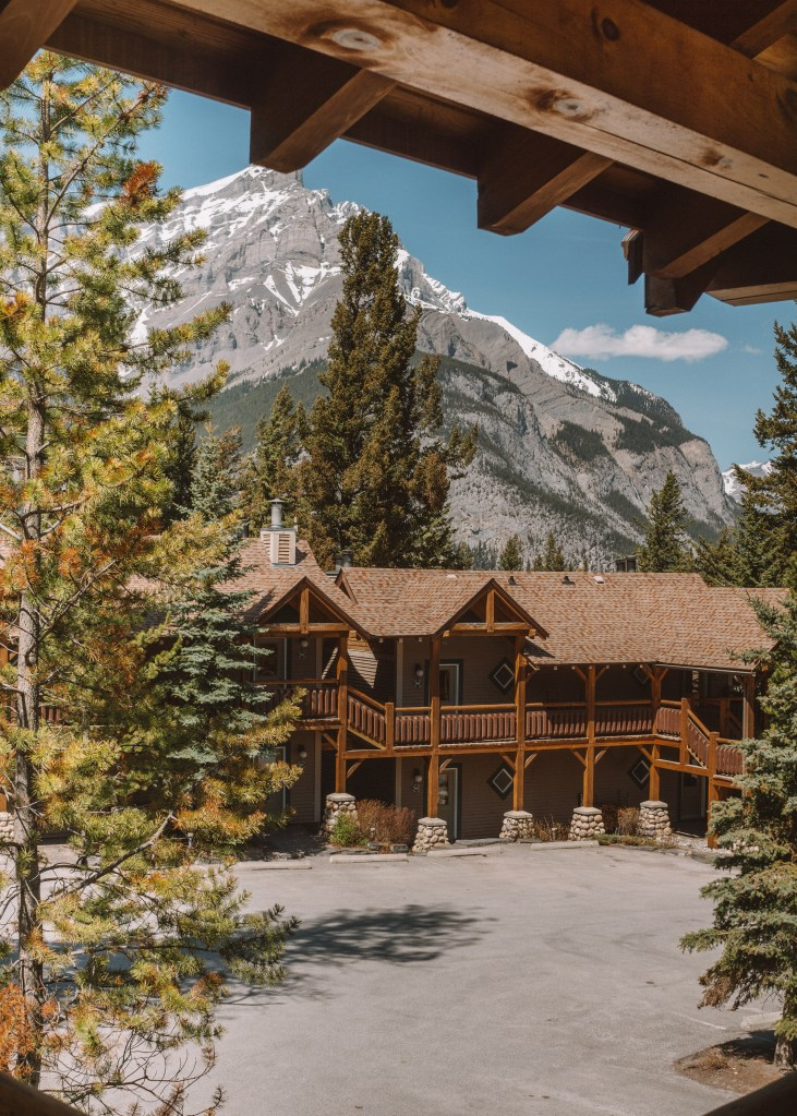 Buffalo Mountain Lodge, Banff