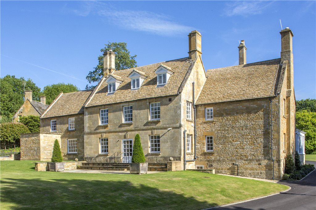 6 Mindblowing Houses For Sale in the South West | Postcards By Hannah