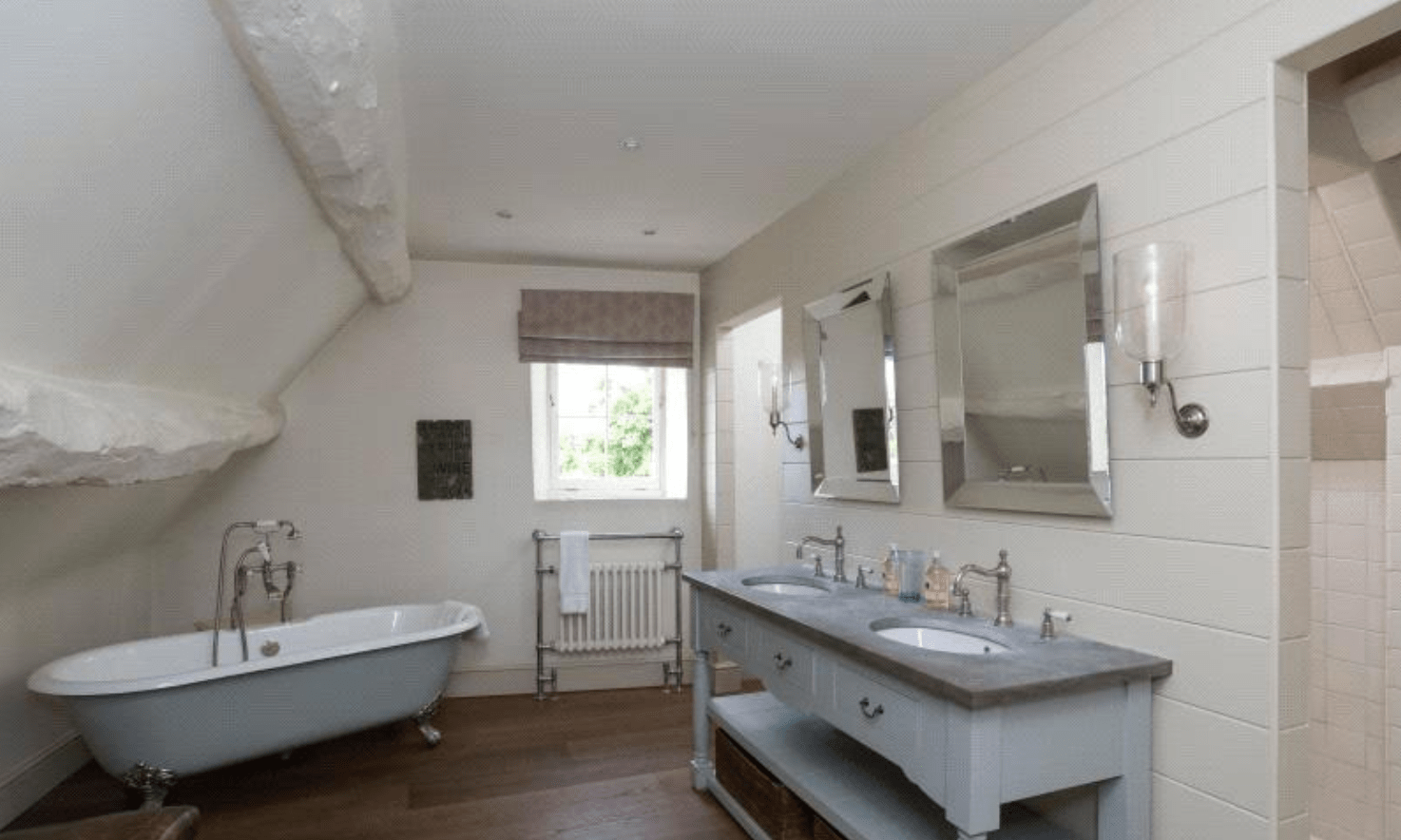 5 Epic Houses for Sale in the Cotswolds| Neston