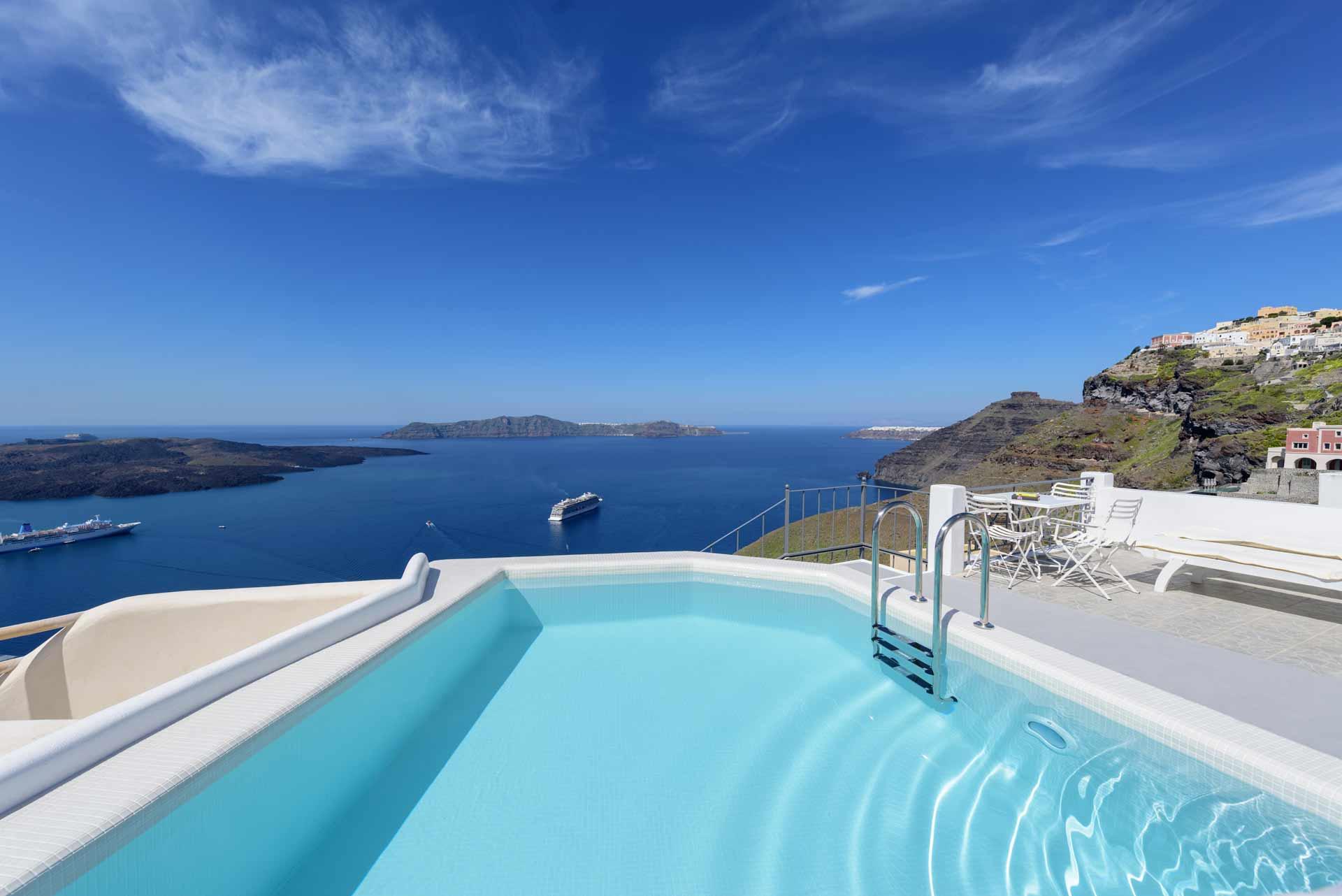 best_hotel_views_in_santorini_andonis_renos_villa