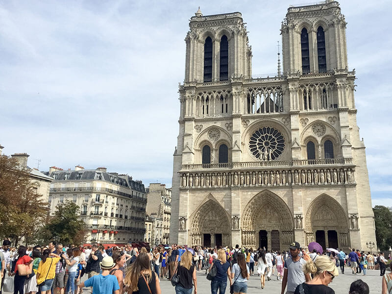 NIf you have a layover in Paris for a day, take advantage of all there is to do! Here's a guide on how to spend 24 hours in Paris.